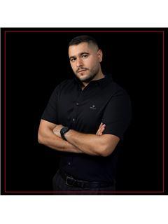יהונתן טרבלסי Yonatan Trabelsi - רי/מקס פמילי RE/MAX Family