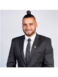 דניאל בוסקילה Daniel Buskila - רי/מקס מקצוענים RE/MAX Professionals