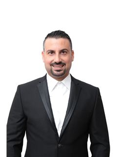 נאדר מיעארי Nader Miari - רי/מקס פמילי RE\MAX Family 3