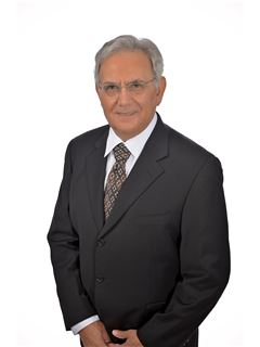 מנחם יחזקאל Menachem Yehezkel - רי/מקס הוד והדר RE/MAX Hod VeHadar