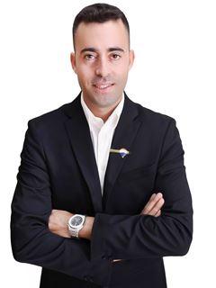 נאור שלומי Naor Shlomi - רי/מקס מקצוענים RE/MAX Professionals