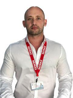 איוון זולוטוחין Ivan Zolotuchin - רי/מקס פמילי RE/MAX Family 2