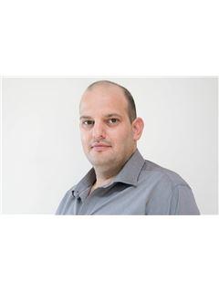 עדיאל אלדר Adiel Eldar - רי/מקס פיין הום RE/MAX FINE HOME
