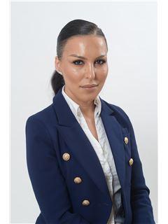 אילנית פאפיאשוילי Ilanit Papiashvili - רי/מקס פלייס RE/MAX Place