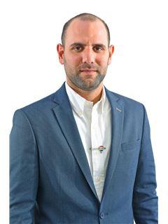 Biuro savininkas/vadovas - אייל שמול - זכיין ומנהל הסניף eyal shmul - רי/מקס פמילי RE/MAX Family
