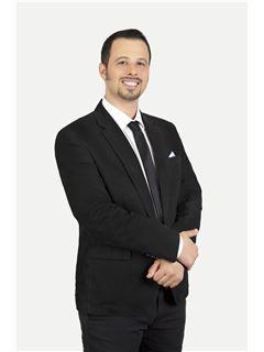 ניר סבר - אסטרטג נדל״ן ראשי - רי/מקס RE/MAX Team