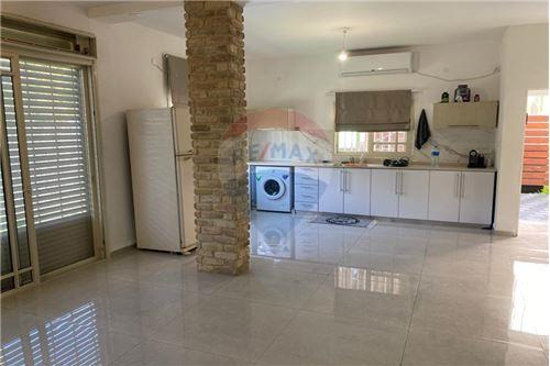 בניין שלם - השכרה - קרית ביאליק, ישראל - 17 - 51701001-100