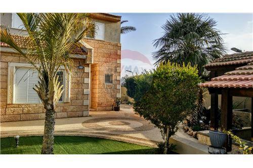 מסודר דירות למכירה או השכרה בדימונה, ירושלים ודרום, רי/מקס NM-05