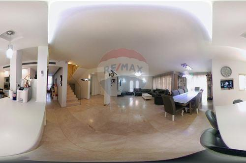 הגדול קוטג' - מכירה - לוד, ישראל - 51101026-16 BQ-67