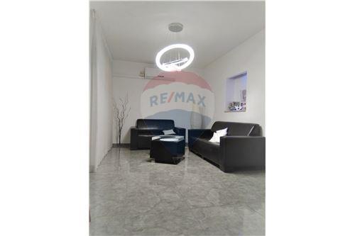 עדכון מעודכן דירות למכירה או השכרה באשקלון, ירושלים ודרום, רי/מקס VW-68