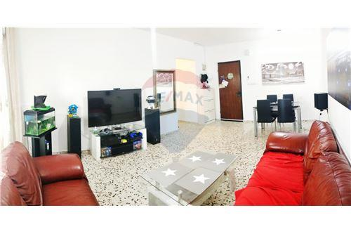 מתקדם דירות למכירה או השכרה בשדרות, ירושלים ודרום, רי/מקס KD-23