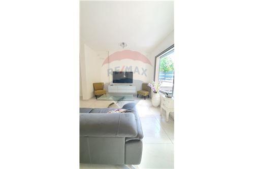 Split Level House - ਵਿਕਰੀ ਲਈ - קיסריה, ישראל - 2 - 51331023-1