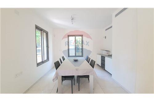 Split Level House - ਵਿਕਰੀ ਲਈ - קיסריה, ישראל - 9 - 51331023-1