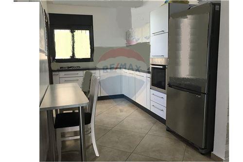 מודרניסטית דירות למכירה או השכרה באשקלון, ירושלים ודרום, רי/מקס PY-31