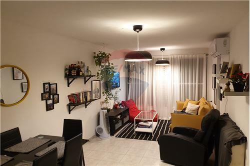 דירה - מכירה - חולון, ישראל - 1 - 50071001-339
