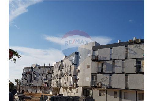 פנטסטי דירות למכירה או השכרה בדימונה, ירושלים ודרום, רי/מקס PK-84