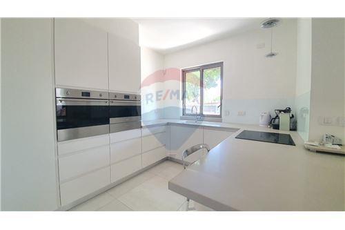 Split Level House - ਵਿਕਰੀ ਲਈ - קיסריה, ישראל - 3 - 51331023-1