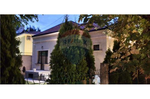 Kuća  - Prodaja - Beograd  - 12 - 500021006-21