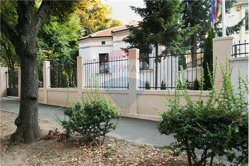 Kuća  - Prodaja - Beograd  - 16 - 500021006-21