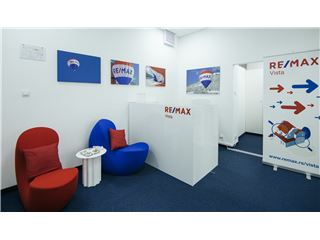 Office of RE/MAX Vista - Vista Point, Reg. No 1019 - Beograd