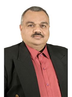 Saurin Parikh - RE/MAX Realty Solutions(Ahmedabad)