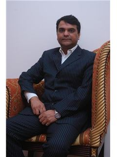 Vijay Kumar - RE/MAX Homes & Estates(Chandigarh)