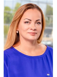 Tatjana Nedvedskaja - RE/MAX Capital
