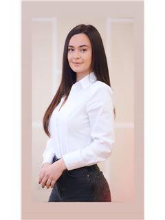 Team Manager - Jana Kacidhe - RE/MAX Vizion II
