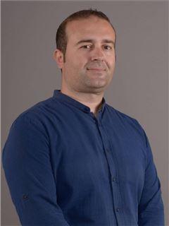 Valmir Sadiku - RE/MAX Invest