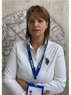 Lindita Buzali - RE/MAX Forum