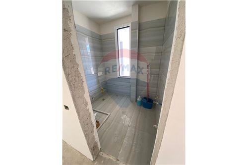 Apartament - Në Shitje - Vlorë, Shqipëri - 11 - 530311007-613