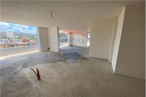 Apartament - Në Shitje - Vlorë, Shqipëri - 1 - 530311007-613