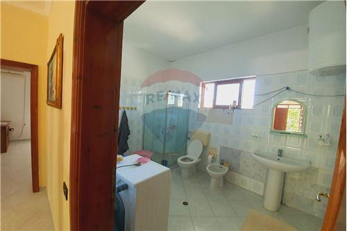 Shtëpi me tarracë - Në Shitje - Vlorë, Shqipëri - 25 - 530311007-617