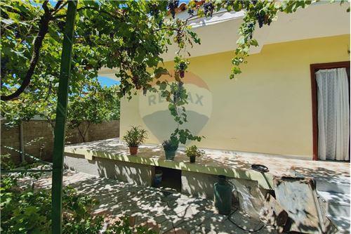 Shtëpi me tarracë - Në Shitje - Vlorë, Shqipëri - 17 - 530311007-617