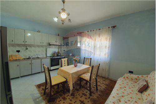 Shtëpi me tarracë - Në Shitje - Vlorë, Shqipëri - 24 - 530311007-617