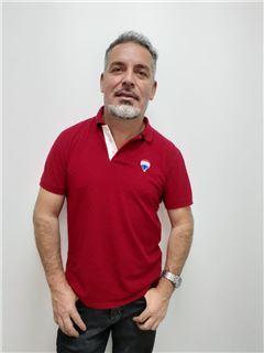 Agente Inmobiliario - Victor Patricio Larenas Caballero - RE/MAX Coffee Realty