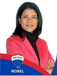 Agente Inmobiliario - Yuren Karina Arenas Rosas - RE/MAX Nobel