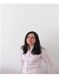Agente Inmobiliario - Claudia  Wandurraga Cruz - RE/MAX Focus
