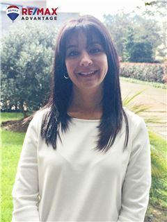 Associate in Training - Adriana Velasquez Correa - RE/MAX Advantage