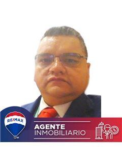 Agente Inmobiliario - Jonh Henry Niño Ramirez - RE/MAX Conecta