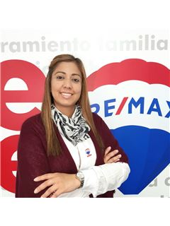 Associate in Training - Willibett del Carmen Fernandez Galindo - RE/MAX Millennium