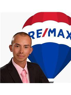 Agente Inmobiliario - Eduin Alexander Vega Jimenez - RE/MAX Elite