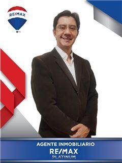 Agente Inmobiliario - Cesar Enrique Aucique Pedroza - RE/MAX Platinum