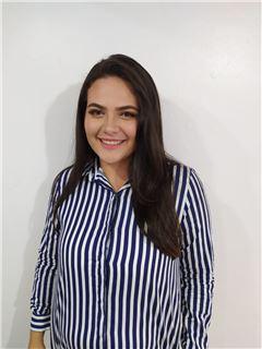 Agente Inmobiliario - Andrea Carolina Hernández Salcedo - RE/MAX Top Inmobiliaria