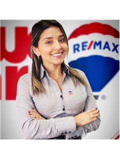 Agente Inmobiliario - Adriana Gomez Diaz - RE/MAX Millennium