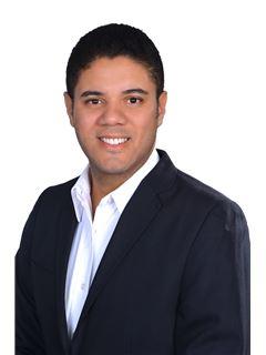 Agente Inmobiliario - Fabian Enrique Márquez Linares - RE/MAX Top Inmobiliaria