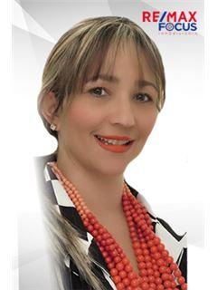 Agente Inmobiliario - Yenny Patricia Buelvas Aldana - RE/MAX Focus