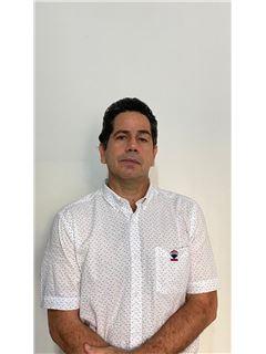 Agente Inmobiliario - Jorge Alberto Coral Peña - RE/MAX Central II
