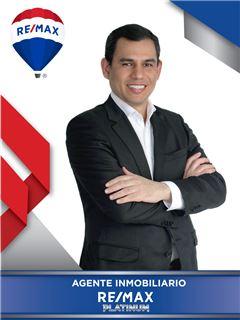 Agente Inmobiliario - Rene Alexander Oliver Arevalo - RE/MAX Platinum