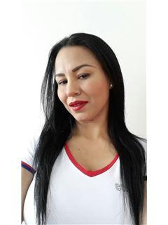 Associate in Training - Claudia Patricia Herrera Causado - RE/MAX Grupo Inmobiliario
